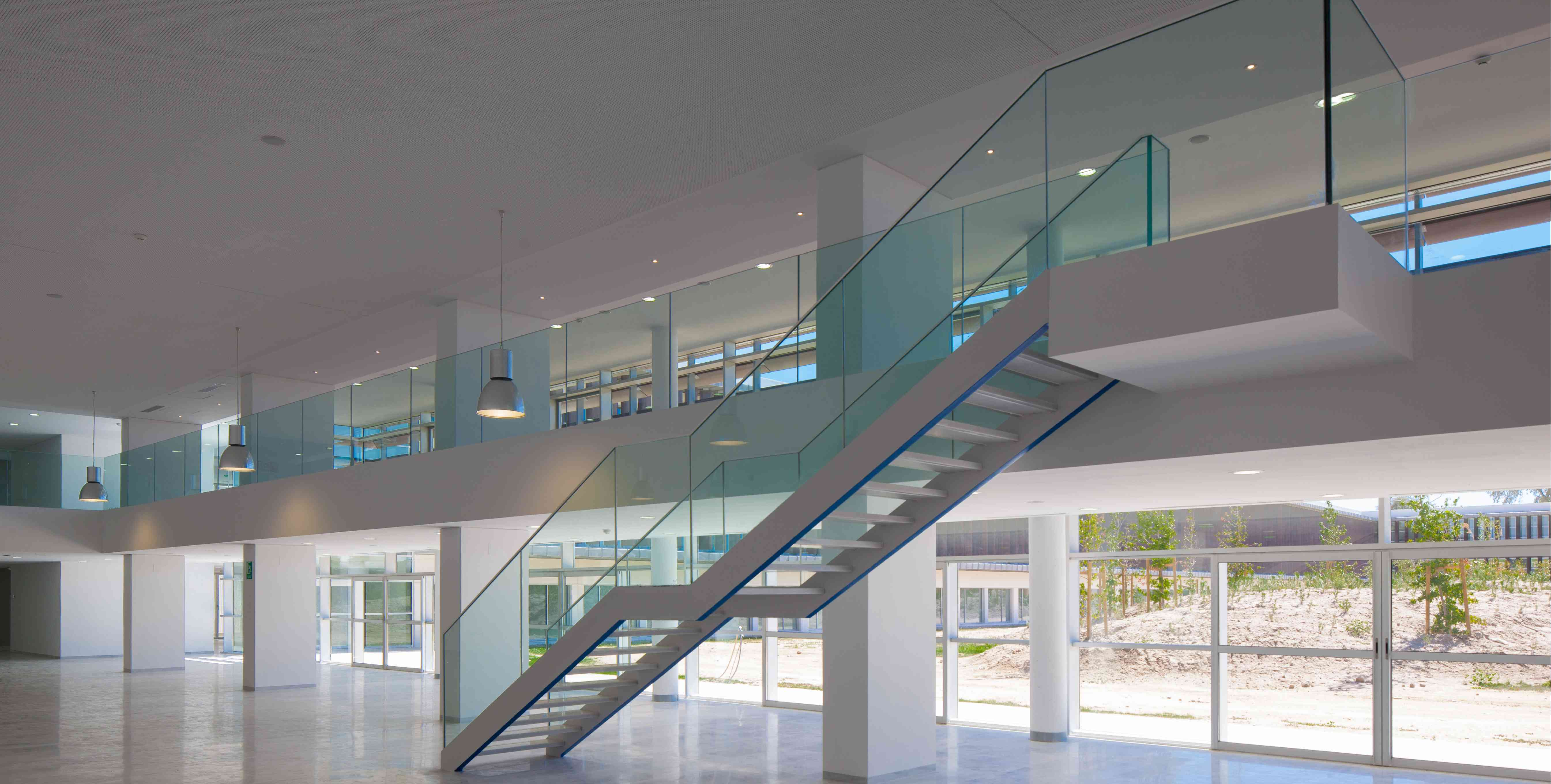 Laminados dialum cristales especiales para industria for Detalle barandilla vidrio