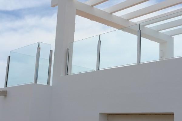 Baranda estructural dialum cristales especiales para - Baranda de cristal ...